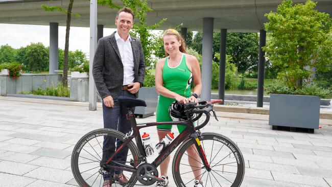 Sportlandesrat Jochen Danninger mit Alexandra Meixner