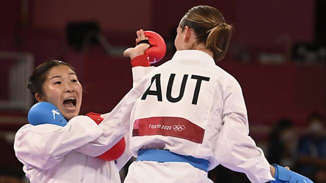 Medaille für Bettina Plank im Karate fix