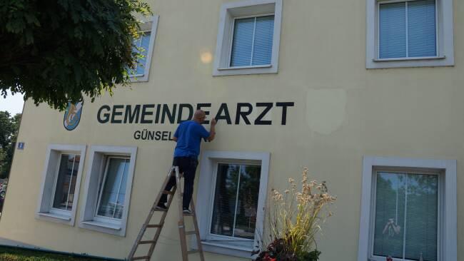 440_0008_8152360_bad33arzt_guenselsdorf.jpg