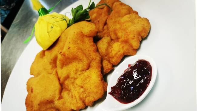 Im Babenbergerhof setzt man beim Wiener Schnitzel auf regionale Zutaten.