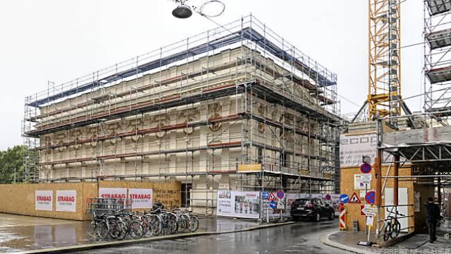 Am künftigen Staatsopernflügel des Künstlerhauses wird schon gebaut
