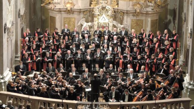 Kammerorchester und Chor