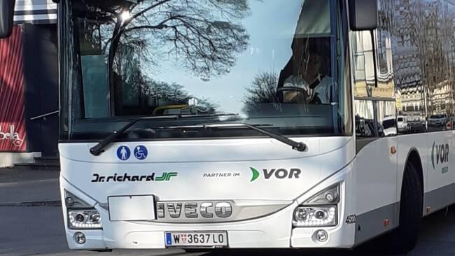 440_0008_8204643_mar41stadt_bus.jpg