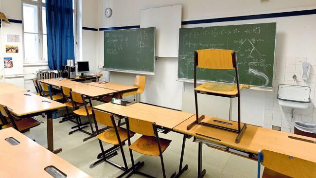 In Schulen fallen neben dem Unterrichten und Betreuen auch zahlreiche administrative Aufgaben an. Dabei