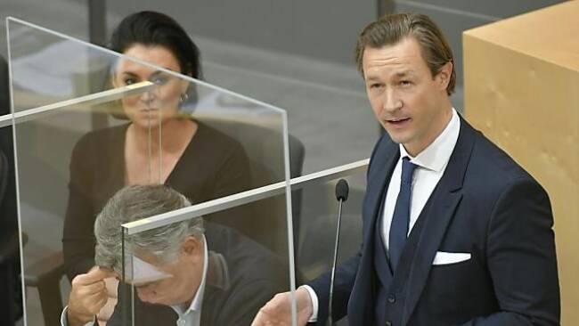 Der Finanzminister spricht zum Budget