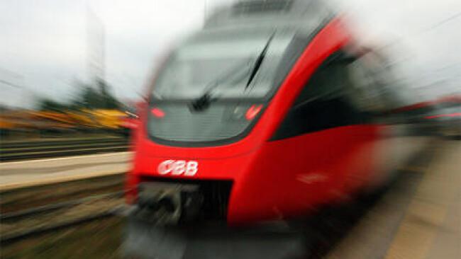 ÖBB Zug Eisenbahn Schiene Infrastruktur Symbolbild
